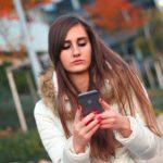 スマートフォン依存症に注意、たまには頭と目を休めさせよう